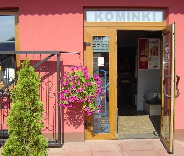 http://www.kominki-galeria.com/images/Salon%20kominkowy%20-%20WOLBROM%20%282%29.jpg